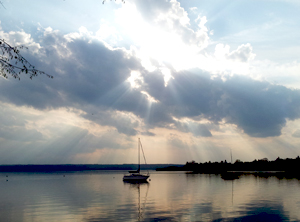 Ein Trauma kann wie eine Wolke die Wahrnehmung der Sonne trüben